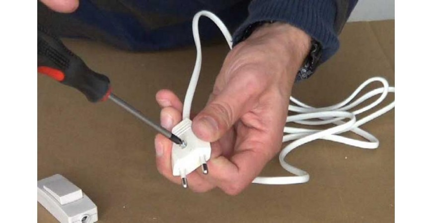 Cómo hacer un sistema de encendido nuevo para tu lámpara o alargar el cable.