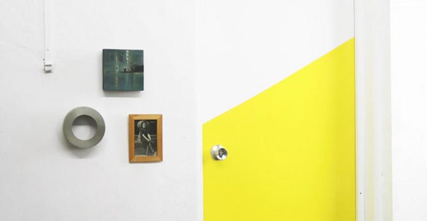 Atrévete a pintar una puerta de dos colores